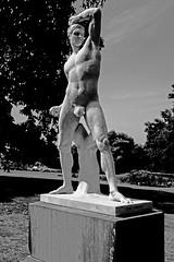 Damm! My deodorant has failed again! (TOXTETH L8) Tags: statue boxers sydneybotanicalgardens