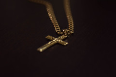 cross in gold (Atanas Kovata) Tags: gold christ cross chain isus