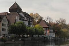 Burg Unterhof Diessenhofen ( Schloss - Chteau - Castle - Baujahr Turm 1186 ) in der Altstadt - Stadt Diessenhofen am Rhein ( Hochrhein - Fluss - River ) im Kanton Thurgau  der Schweiz (chrchr_75) Tags: chriguhurnibluemailch christoph hurni schweiz suisse switzerland svizzera suissa swiss chrchr chrchr75 chrigu chriguhurni 1410 oktober 2014 rhein fluss river hochrhein albumrhein albumhochrhein oktober2014 hurni141012 albumrheinsteinamrheinrheinfall albumstadtdiessenhofen stadtdiessenhofen kanton thurgau kantonthurgau stadt altstadt city ville rhin reno rijn rhenus rhine rin strom europa joki rivire fiume  rivier rzeka rio flod ro