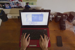 It's Weekend (Fadil Rifkiyuda) Tags: work canon hand laptop perspective noise asus iphone fadilrifkiyuda