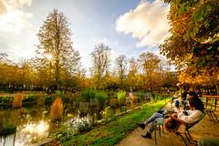 Tuileries Garden (Yu-Hsin Chen) Tags: sun paris france reflection fall water fuji fujifilm leisure tuileries xm1 tuileriesgarden 1024mm