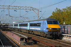 No 82127 22nd Oct 2014 Colchester (Ian Sharman 1963) Tags: street london station electric train liverpool no oct engine loco norwich locomotive greater passenger colchester 22nd anglia dvt 2014 abellio 82127