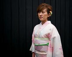 Tokyo50-37 (Diacritical) Tags: japan kagurazaka kimono tokyo april12017 leicacameraag leicamtyp240 summiluxm11435asph f14 ¹⁄₁₅₀₀sec centerweightedaverage street