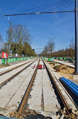 Tram tracks on Kirchberg (tame_alien) Tags: luxembourg luxembourgcity kirchberg construction vanishingpoint tramway