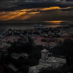 0003_GENOVAMAN (Photomar_65) Tags: genova liguria italia mare mediterraneo portofino tirreno tramonti nuvole porto nave castello villa palazzo città canon hdr alta dinamica
