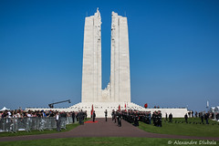 100th anniversary of the Battle of Vimy Ridge (Alexandre D_) Tags: canon eos 70d sigma sigma50mmf14exhsm 50mm 50mmf14 vimy vimyridge memorial canada canadian armed forces contigent rcmp grc 100th sun sky peace lestweforget dignitaries hautsdefrance france nord pasdecalais hollande trudeau johnston 100thanniversary centenaire canadiannationalvimymemorial