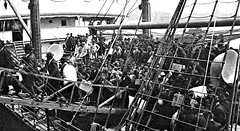 Immigrants arriving at the B&O Pier in Baltimore, MD 1904 (SSAVE w/ over 7 MILLION views THX) Tags: immigration germans unitedstates 1904 baltimoremd baltimoreandohiorailroad locustpoint pierno9 midwast immigrants
