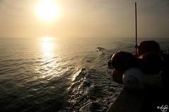 Morning fishing (louise garin) Tags: mer soleil bretagne matin pche ocan infini