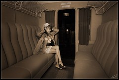 Orient Express 010 (Fr-EM (photos de Modèles)) Tags: voyage railroad bw woman girl hat train canon wagon eos photo model glamour women photographie noiretblanc femme picture railway nb sensual chapeau 37 tours fille sncf modèle indreetloire frem féminité 550d compartiment photographetours photographe37