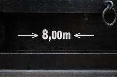 8,00m (Ben Gun) Tags: bw train wagon hamburg zug sw 8m schwarz minimalsim weis minimalismus gterwagon nikond3000