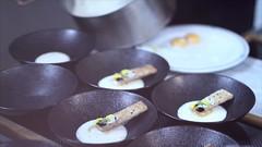 Oeuf à 64,5° mousse de foin, mouillet aux noix de Grenoble