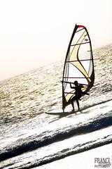 Winsurf Balneario (Franci Esteban) Tags: contraluz 7d tarifa windsurf balneario winsurf winsurfing playadeloslances canoneos7d 7dtamron tamronspaf70300f456divcusd