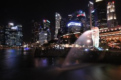 Merlion Park At Night (a.rutherford1) Tags: city urban night digital dark lowlight nikon singapore asia forsale ambientlight tropical neonlights afterdark slowshutterspeed d300 republicofsingapore modelnikond300 photosfromflickrgmailcom fnumberf14 lens1224mmf4040 exposuretime10sec