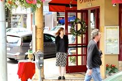 Waitress waiting, Little Italy, San Francisco, CA, USA. (SETIANI LEON) Tags: sanfrancisco voyage california ca street portrait italy usa streets america canon eos