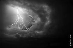 (ValerioGalli) Tags: storm rain night canon chuva pluie lightning pioggia nuit notte galli valerio temporale lampi fulmini relmpagos clairs temporais harukim