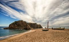 La Palomera  2 - Girona (bervaz) Tags: sea espaa beach mar sony playa girona nubes catalunya barcas costabrava catalua blanes carlzeiss carlzeisssonnart sal1635z variosonnart281635za slta99v