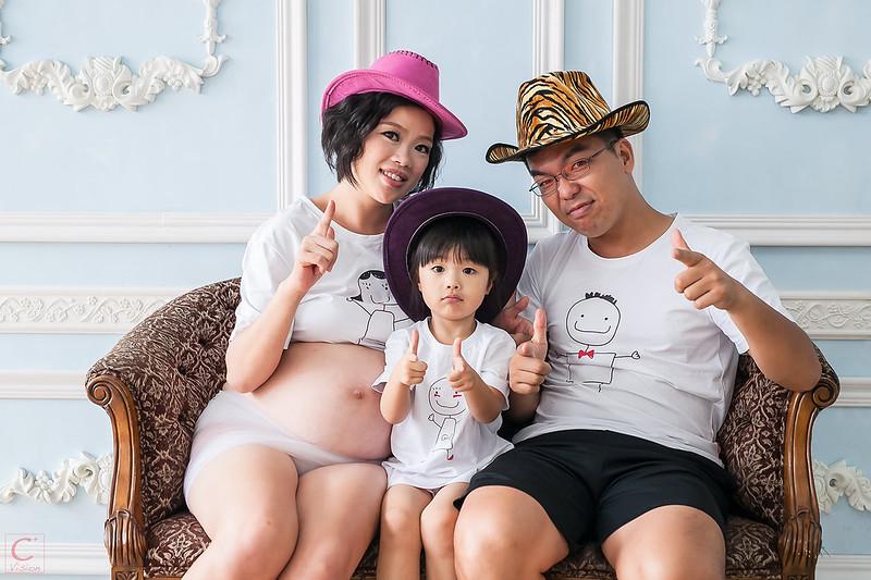 孕婦寫真 孕婦親子寫真 全家福 台中 中壢 桃園 女攝影師 C+ Vision 小米 米維他 全裸