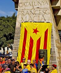 L'Avi Maci / Founding Fathers (SBA73) Tags: barcelona democracy flag president bcn catalonia will bandera catalunya es independence vote anc catalua catalan ara assemblea catalogna votar generalitat estelada maci katalonien catalogne catalans independncia plaacatalunya subirachs omnium procs 9n lhora francescmaci 19o n9n