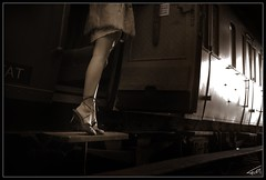 Orient Express 026 (Fr-EM (photos de Modles)) Tags: voyage railroad bw woman girl train canon wagon eos photo model glamour women photographie legs noiretblanc femme picture railway nb sensual 37 tours bodypart fille sncf modle indreetloire frem fminit 550d compartiment photographetours photographe37