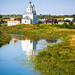 A church reflects on the Kamenka river, Suzdal スズダリ、カーメンカ川に映る教会