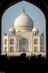 Taj Mahal (Giovaneskywalker) Tags: world favorite india white art heritage architecture persian site indian muslim islam mahal tajmahal agra persia unesco memory wife marble turkish emperor jewel islamic shah jahan mughal mumtaz domed