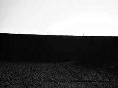 man on the moon (Rafael Edwards) Tags: desierto valledelaluna chile desert atacama blackandwhite negro landscape paisaje minimalista minimal minimalist horizon horizonte alone soledad solitude walking caminando caminante sand arena blancoynegro moon luna lunar lune blancetnoir contraluz blackandwhitephoto