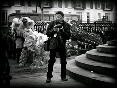 Chinese scouser (* RICHARD M (Over 6 million views)) Tags: street candid mono chinesenewyear kungheifatchoi kongheyfatchoy liverpudlian chinese scousers chinesescouser scousechinese liverpudlians chineseliverpudlians photographers togs blackwhite theblacke liverpoolchinatown chinatown liverpool merseyside capitalofculture multiculturism ethnicity multiculture ethnic liondance liondancers stonesteps railings ironrailings chineseliondancecostumes liverpudlianchinese europeancapitalofculture maritimemercantilecity steps yearoftherooster unescomaritimemercantilecity january intergration merseysiders