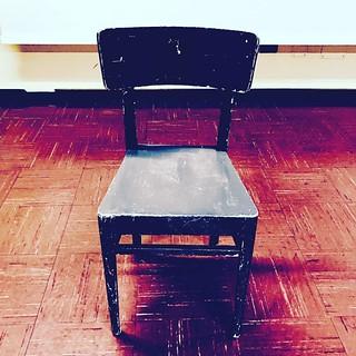 Sedia sedia delle mie brame... tra poco a Padova la 127esima replica di Malabrenta #teatro #theaterlife #theatrelife #teatrobresci #monologo #tournée #attivamente #fondcariparo #neverstop