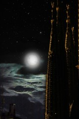 Sagrada (Arantza Fabregat) Tags: canon arquitectura architecture moon sky night moonllight europe eos550d digital dsrl canoneos