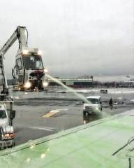 Green Slime (DASEye) Tags: davidadamson daseye ipod airport aircraft deicing greenslime winter snow