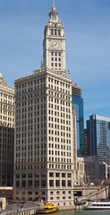 Wrigley Building (Brule Laker) Tags: chicago illinois macys marshallfields stores flowers olympusom downtown