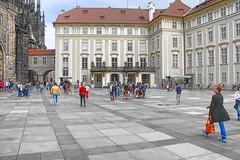 Praga - Palazzo Reale (*Sefora*) Tags: topaz repubblicaceca adjust people square europe