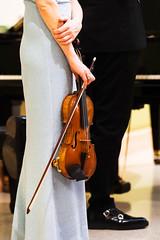 _AAA8181-Modifica-2.jpg (S. Hemiolia) Tags: music musica concerto musicalinstruments strumentimusicali hand hands mani mano she woman donna