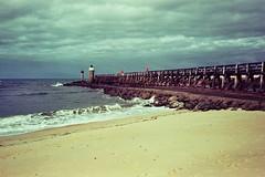 (Martin PEREZ 68) Tags: sea seascape océan atlantique atlantic aquitaine paysage plage playa paisage analog argentique olympus olympusmju2 olympusmjuii mju2 mjuii expired expiredfilm périmé 35mm capbreton landes beach oceanpierscene