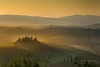 DSC00166_s (AndiP66) Tags: sonnenaufgang sunrise nebel dunst fog mist sonne sun morgen morning april spring 2017 siena pienza sanquiricodorcia valle dorcia toscana tuscany italien italy sony sonyalpha 7markii 7ii 7m2 a7ii alpha ilce7m2 sigma sigma24105mmf4dghsmart sigma24105mm 24105mm art amount laea3 andreaspeters villabelvedere valledorcia