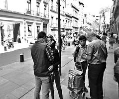 Kiss (dr_scholz@ymail.com) Tags: streetphotography street city ciudaddemexico mexicocity pedestrians couple youngcouple leicam9 superelmarm21mmasph superelmarm21mmasphf34