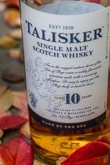 Made by the sea (lensflare82) Tags: scotch whisky whiskey alkohol alcohol 700d canon eos shutterbug flasche bottle bourbon peat smoke torf torfrauch rauch skye isle scotland schottland brennerei distillery diageo malt single classic sea 1830