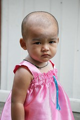 pink dress, shaved head (the foreign photographer - ฝรั่งถ่) Tags: shaved head toddler pink silk dress khlong thanon portraits bangkhen bangkok thailand canon kiss