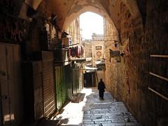 Jerusalem   Via Dolorosa   Way of the Cross   Kreuzweg (flashpacker-travelguide.de) Tags: alley jerusalem old city altstadt via dolorosa kreuzweg israel gasse cross jesus christ way