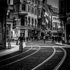 Große Ulrichstraße (ZaglFoto.de) Tags: deutschland hallesaale sachsenanhalt street bnwhallesaale schwarzweiss strase streetphotographer streetphotography
