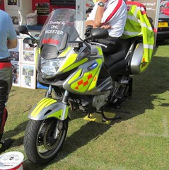Un-known blood service-Yamaha motorcycle-Blood and organ transfer vehicle (Sierraoscar595) Tags: climb blood hill group organ unknown yamaha vehicle transfer kop 2014