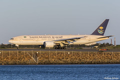 HZ-AKB Saudi Arabian Airlines Boeing 777-268(ER) SYD/YSSY 19/10/2014 (TonyJ86) Tags: travel plane airplane fly nikon aircraft aviation flight jet sydney australia aeroplane landing international nsw newsouthwales passenger boeing arrival syd 777 airliner sydneyairport widebody saudia yssy 777200 b772 twinjet saudiarabianairlines d7100 777268er hzakb sigma18250mm sydneykingsfordsmith nikond7100