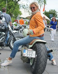 2014-05-25 S9 JB 77881b##coht10k20ER (cosplay shooter) Tags: x201810 400x harleylady harley harleydavidson motorcycle moto motorrad v2 harleydomecologne 2014 köln cologne nrw germany allemagne hdc2014