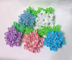 DSCF8243 (EruwaedhielElleth) Tags: flower floral june set hair japanese pin handmade seasonal decoration craft maiko ornament fabric hana geisha hydrangea folded hairpin ajisai tsumami kanzashi acessory zaiku imlothmelui