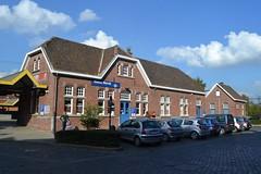 NMBS-station, Wervik (Erf-goed.be) Tags: station geotagged westvlaanderen treinstation wervik archeonet nmbsstation geo:lat=507817 geo:lon=30465