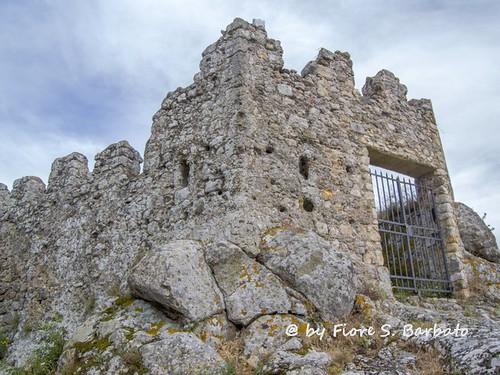 Tolfa (RM), 2014, La Rocca dei Frangipane e il Santuario della Rocca o Sancta Maria de Arce.