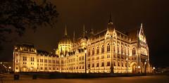 Budapest - hungarian Parliament night panorama 2 (Romeodesign) Tags: street longexposure panorama night europe hungary budapest parliament illuminated parlament 550d