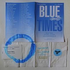 """an apple a day keeps the doctor away - An ENSO (Japanese: circle, kreis) a Day ..."" 9. November 2014: Exhibition ""Blue Times"" - circle: blue / blau gouache on used napkin Café Museum (Kardinalschnitte, heiße Schokolade mit Cointreau) Kunsthalle Wien, MQ"