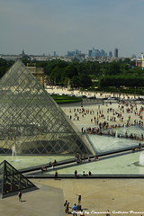 From the Louvre (Mr. Emagal) Tags: city people paris france museum canon landscape pyramid gente louvre museo francia citt parigi piramide 550d mremagal emanuelegalletto