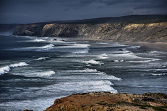 Praia di Bordeira (Sante sea) Tags: ocean waves oceano onde portogallo bordeira portugall carrapateira